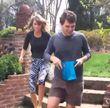 Taylor Swift und ihr Bruder Austin suchten Ostereier
