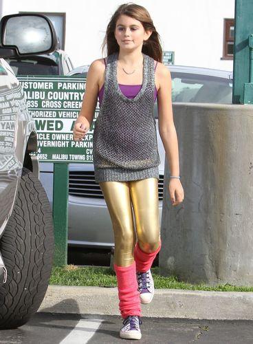 Дети знаменитостей очень часто выбирают модную индустрию. . Посмотрим на м