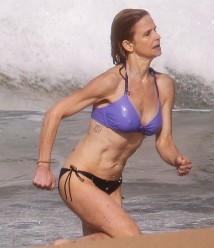 Pin Kyra Sedgwick Hawaii Bikini 15 400 470 On Pinterest