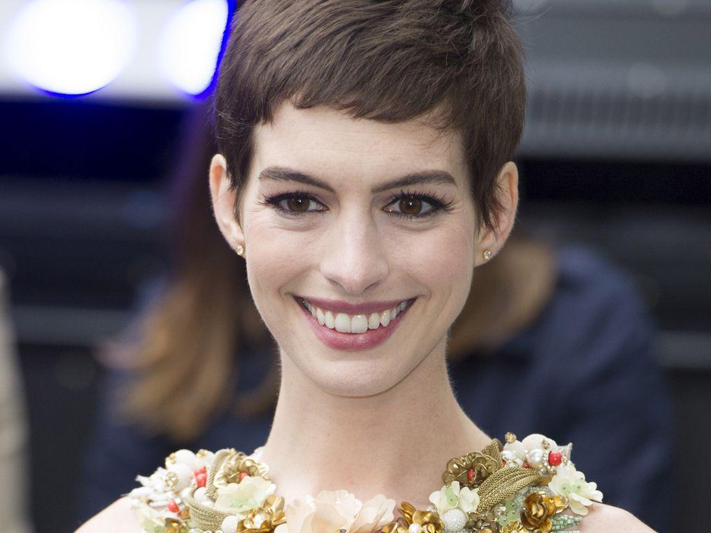 Anne Hathaway bei der Batman-Premiere in London
