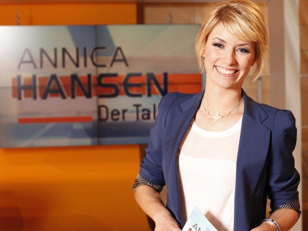"""Annica Hansen am Set von """"Der Talk"""""""