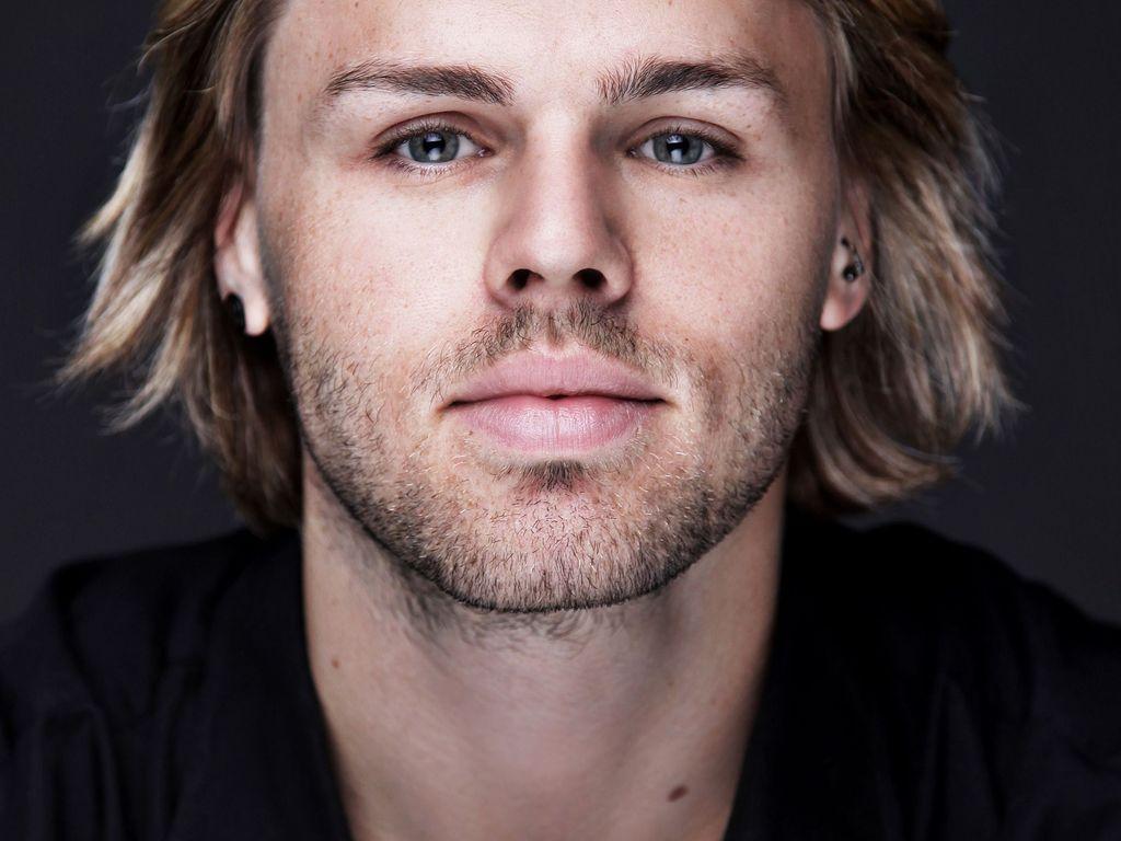 Daniel Schuhmacher mit längeren Haaren