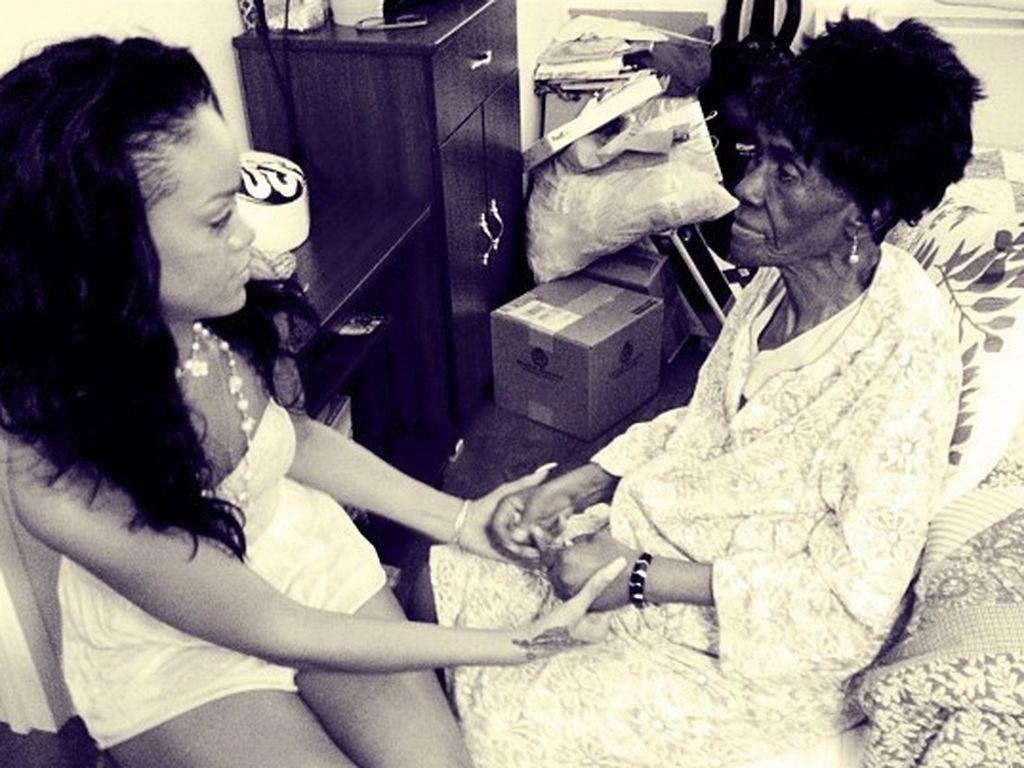 Rihanna mit Oma