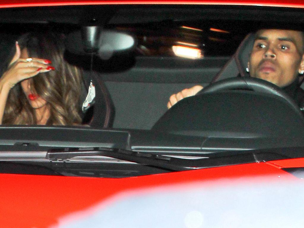 Rihanna und Chris Brown im Auto