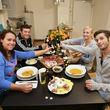 Die AWZ-Stars kochen beim perfekten Promi-Dinner Spezial