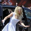 Britney sieht in ihrem Kleidchen aber recht niedlich aus