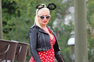 Christina Aguilera lief als Minnie Maus durch Disneyland