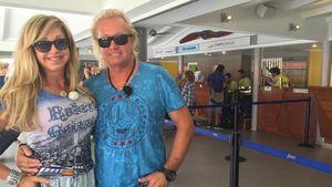 Carmen und Robert Geiss am Flughafen