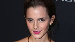 Emma Watson zeigt ihre sexy Schultern