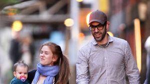 Isla Fisher und Sacha Baron bummeln durch die Stadt