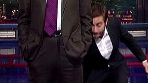 Jake Gyllenhaal greift David Letterman zwischen die Beine