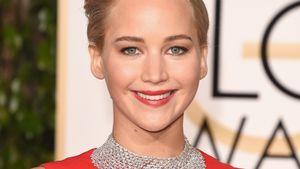 Jennifer Lawrence lächelnd bei der Golden Globe Verleihung