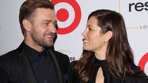 Justin Timberlake und Jessica Biel schauen sich süß an