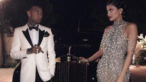 Kylie Jenner und Tyga vor einem schicken Auto