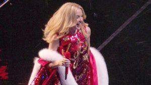 Kylie Minogue als Weihnachtsfrau