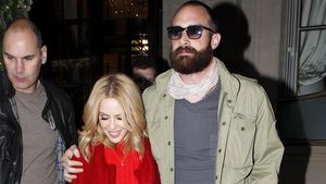 Kylie Minogue und Joshua Sasse in Paris