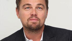 Leonardo DiCaprio mit verschränkten Armen