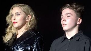 Madonna und Rocco Ritchie schauen ernst