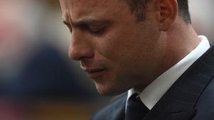 Oscar Pistorius mit gesenktem Kopf
