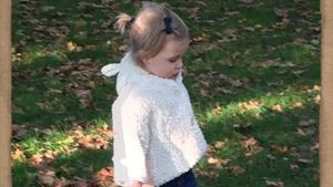 Prinzessin Leonore im Park
