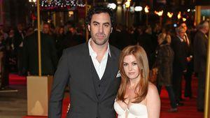 Sacha Baron Cohen und Isla Fisher auf dem Red Carpet