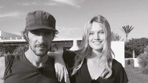 Thomas Hayo posiert neben Toni Garrn