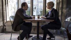 Veronica Ferres und Nicolas Cage sitzen am Tisch