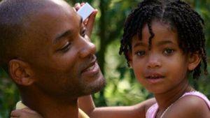 Will Smith trägt seine Tochter Willow auf dem Arm