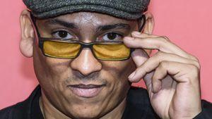 Xavier Naidoo mit Brille