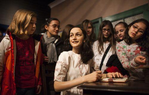 Anne Franks Wachsfigur wird in Berlin ausgestellt