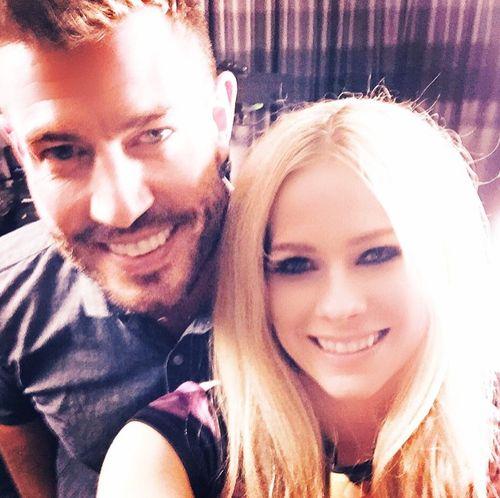 Avril Lavigne strahlt wieder