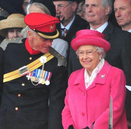 Die Queen freut sich natürlich auch sehr für William und Kate