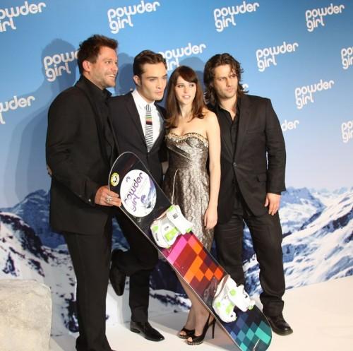 Die vier Darsteller aus Powder Girl: Ken Duken, Ed Westwick, Felicity Jones und Adam Bousdoukos