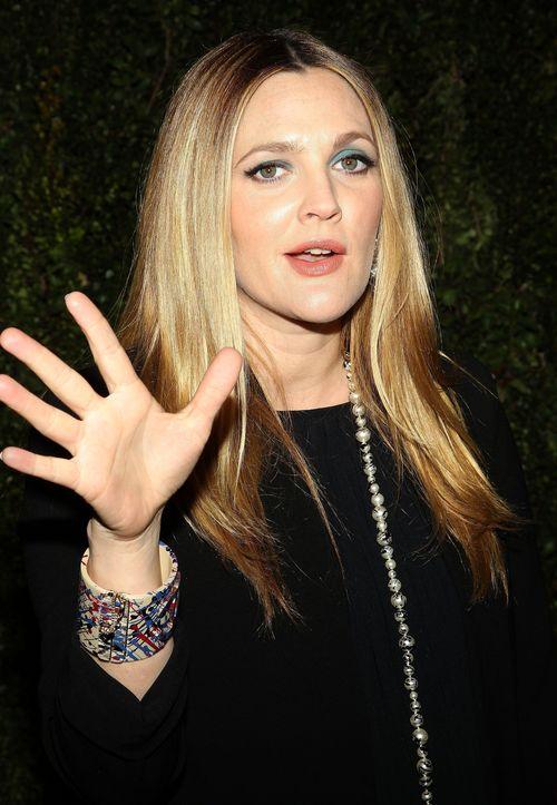 Drew Barrymore sagt selbst, dass sie keinen Bikini-Body mehr hat