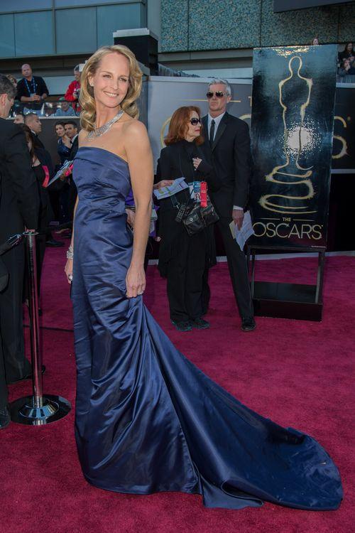 Helen Hunt trug beim Oscar 2013 ein Kleid von H&M