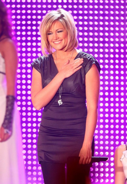 frisur helene fischer 2013 helena blog. Black Bedroom Furniture Sets. Home Design Ideas