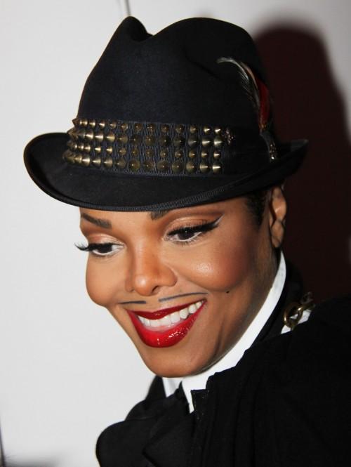 Janet Jackson trägt jetzt Hut und Bart