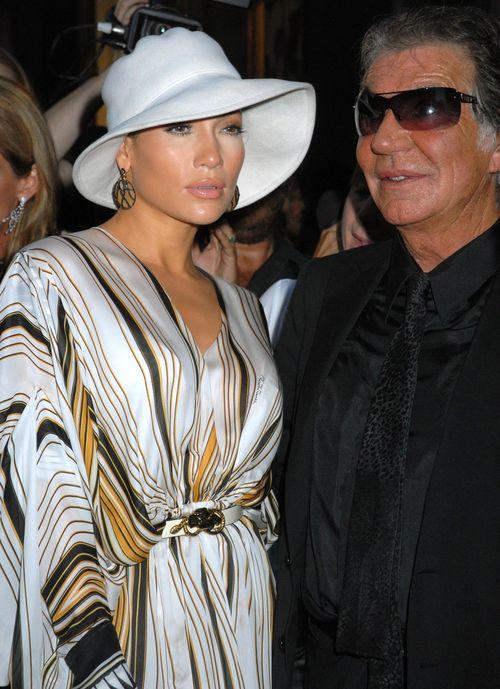 Jennifer Lopez Vierte Hochzeit Mit Casper Smart Pictures to pin on ...
