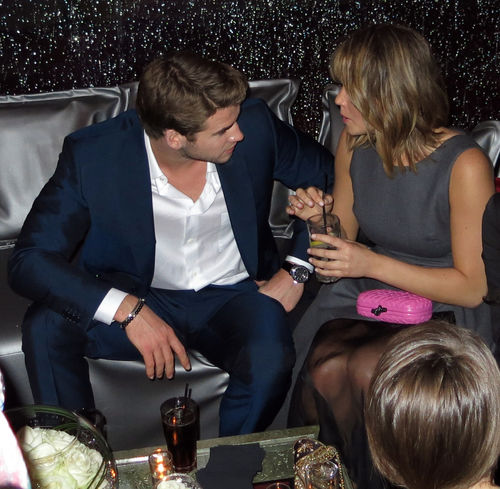 Liam Hemsworth und Jennifer Lawrence genossen angeregte Unterhaltungen und leckere Drinks auf der &quot;Hunger Games&quot;-Party in Cannes
