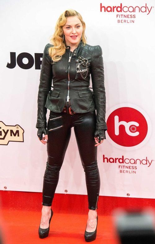 Madonna kam im Rocker-Outfit nach Berlin