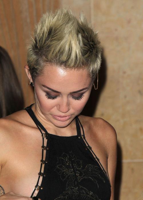Miley Cyrus entblößte mehr, als sie wollte