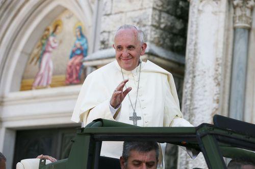 Papst Franziskus I. guckt kein Fernsehen