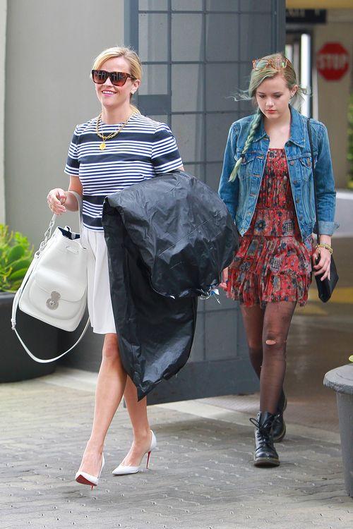 Reese Witherspoon und Ava Phillippe haben sich eine Shoppingtour gegönnt