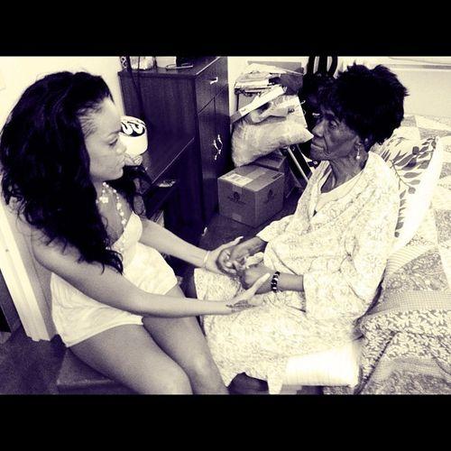 Rihanna trauert sehr um ihre Oma