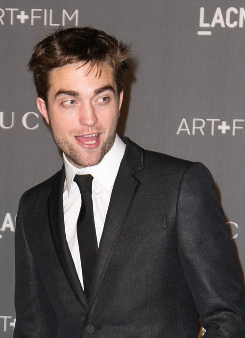 Robert Pattinson hat es faustdick hinter den Ohren: Seine Ex verriet nun, dass er im Schlafzimmer regelmäßig zu Hochtouren aufläuft