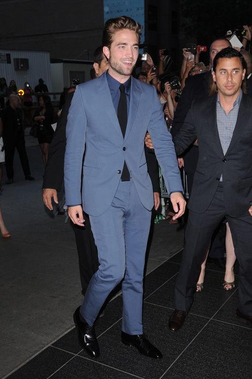 """Robert Pattinson zeigte sich gut gelaunt auf der """"Cosmopolis""""-Premiere"""
