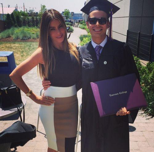Sofia Vergara feiert mit ihrem Sohn Manolo seinen College-Abschluss