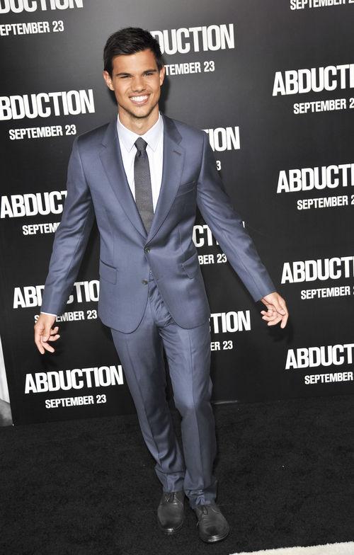 """Taylor Lautner - Ab 13. Oktober ist Taylor Lautner mit """"Abduction"""" in den Kinos zu sehen"""
