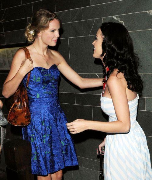 Ätsch, Taylor Swift: Katy Perry hat mehr drauf ... auf dem Konto