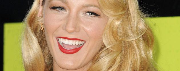 Blake Lively mit rotem Lippenstift